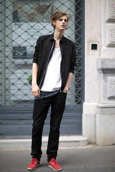 uomini-belli-modelli-maschi-foto-0017_oggetto_editoriale_720x600